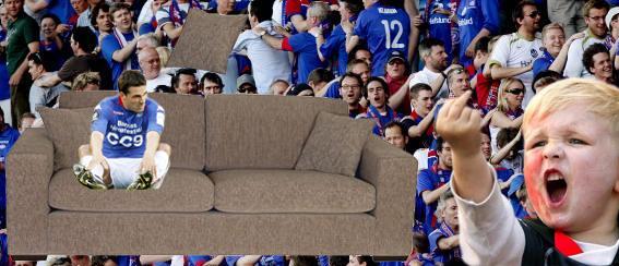 i en sofa i fra Skeidar